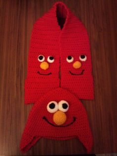 Elmo themed hat and Scarf