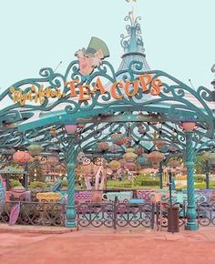 Mad Hatter's Tea Cups - Disneyland Paris