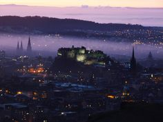 PURPLE HAZE OVER EDINBURGH CASTLE  Photograph by Scott Hutcheson (SMHutch Photography on Flickr)   In this amazing shot by Scott Hutcheson, we see a hazy purple twilight over Edinburgh Castle. In the picture comments on Flickr Scott says the purple colour was completely natural. Edinburgh Castle is a fortress which dominates the [...]