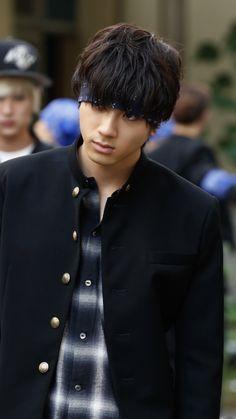 Japanese Babies, Japanese Boy, Hot Asian Men, Asian Boys, Genji Crows Zero, Football Player Drawing, Actor Model, Handsome Boys, Football Players