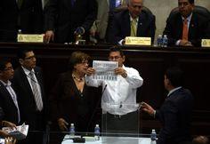 Honduras: Hoy se realiza la tercera votación de magistrados en el Congreso  PAC y Libre siguen sin apoyar elección de la Corte. Esta tarde comienza elección de siete magistrados.