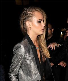Cara Delevingne side braid look Mohawk Hairstyles, 2015 Hairstyles, Pretty Hairstyles, Perfect Hairstyle, Cara Delevingne Hair, Hair Styles 2014, Hair Dos, Hair Trends, Hair Inspiration