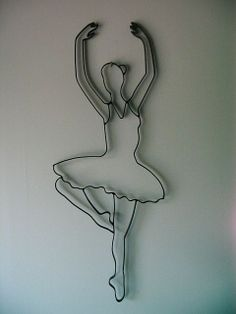 Dancing Ballerina Made from Twisted Metal. Would look perfect in little girl's room on a pink wall. I love artsy stuff.