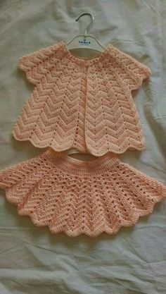 Captivating Crochet a Bodycon Dress Top Ideas. Dazzling Crochet a Bodycon Dress Top Ideas. Crochet Baby Dress Pattern, Baby Dress Patterns, Baby Girl Crochet, Crochet For Kids, Baby Knitting Patterns, Crochet Patterns, Crochet Baby Sweaters, Crochet Baby Clothes, Lidia Crochet Tricot