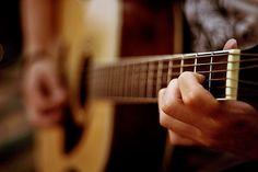 ara mudah supaya cepat bisa gitar dapat dilakukan dengan cara yang bermacam-macam cara tergantung dengan mood yang disukai oleh seseorang yang ingin belajar bermain gitar.