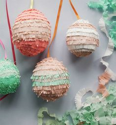 Oh Happy Day!'s Mini Easter Egg Pinata DIY. Ism going to make these for Easter for grand kids and grown-ups as we'll. Kids Crafts, Easter Crafts, Egg Crafts, Easter Decor, Craft Kids, Easter Projects, Hoppy Easter, Easter Eggs, Easter Bunny