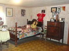 Loretta Lynn's Birthplace - Butcher Hollow: Loretta's parents' bedroom