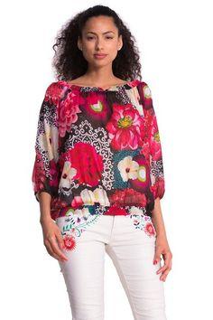 Blusa alla contadina Desigual modello Merine. Guarda com'è comoda e fresca per il tuo look estivo.