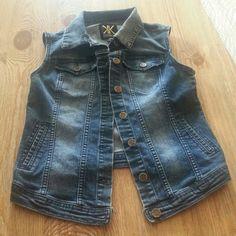 Pre-loved Denim Vest Pre-loved Kardashian Kollection Denim Vest Kardashian Kollection Jackets & Coats Vests