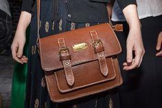 15f16d095 13 melhores imagens de Bolsa   Backpack bags, Fashion handbags e Shoe