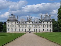 Château de Cheverny, France. I'm a sucker for chateaux!!  I want to see them all!
