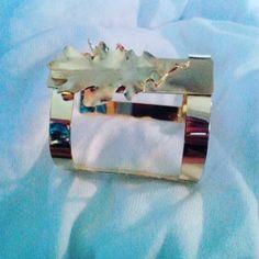"""973039a26a58 Ocarina Lanz Orfebre on Instagram  """"Brazalete abierto en bronce con baño  dorado . . .  orfebreria  orfebre  hechoenvenezuela  talentovenezolano ..."""