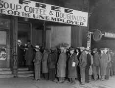 """El crack del 29 fué la caida del mercado,  mucah gente perdió su trabajo y eso dió lugar a la crisis del 29 llamada """"La gran depresión"""""""
