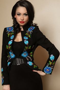 Sacou Stofa Dama Romanesc Negru - Brodat Manual B Fashion, Fashion Details, Fashion Outfits, Womens Fashion, Beautiful Suit, Beautiful Outfits, Cocktail Outfit, Royal Dresses, Bikini Pattern