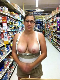 Babe with huge saggy tits no bra