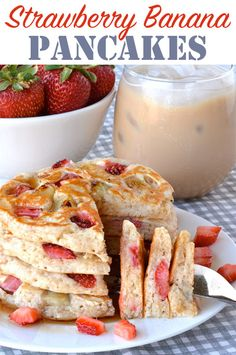 These fluffy Strawberry Banana Pancakes are packed with fresh fruit and perfect . - These fluffy Strawberry Banana Pancakes are packed with fresh fruit and perfect for strawberry seas - Fruit Pancakes, Banana Waffles, Strawberry Pancakes, Strawberry Breakfast, Crepes And Waffles, Banana Breakfast, Breakfast Dishes, Pancakes Easy, Strawberry Banana Bread