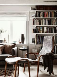 A beautiful, creative home - in constant change - Stil Inspiration Home And Living, Living Room, Interior Decorating, Interior Design, Decorating Ideas, Scandinavian Living, Home Trends, Design Case, Creative Home