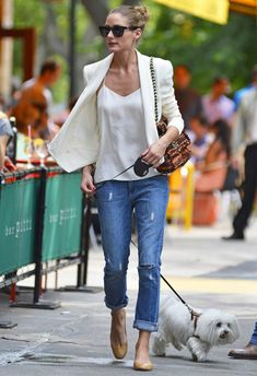 Blazer, camisole, rolled up jeans, heels. Easy perfection