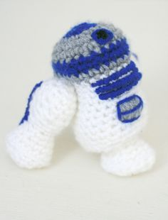 I recently made this amigurumi R2-D2 for a friend. My boyfriend wanted to help so did some of the stitching for it. Totally want to get him into crochet so we can have geeky craft evenings ;-)You can read my blog post about the make here and find the pattern on Etsy here.It was super fun to...
