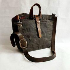 626968d274 Borsa messenger a tracolla, borsa da uomo, borse fatte a mano, borsa a  tracolla, regalo per lui, borsa con pelle vintage, cartella da uomo