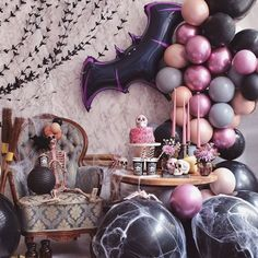 How EPIC is this halloween set up from using our GIANT bat balloon and halloween backdrop. 🦇🕸️Have you stocked up for halloween… Halloween Smash Cake, Halloween Backdrop, Halloween Balloons, Pink Halloween, Halloween Birthday, Halloween Party Decor, Halloween Themes, Halloween Crafts, Spooky Halloween