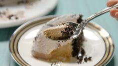 Oreogasm Ice Cream Bombe s the most satisfying oreogasm dessert yet! Ice Cream Desserts, Frozen Desserts, Ice Cream Recipes, Easy Desserts, Delicious Desserts, Dessert Recipes, Yummy Food, Tasty, Oreo Dessert