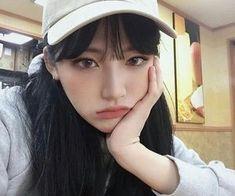 Pin by 𝙗𝙚𝙪𝙡𝙡𝙖𝙚𝙜 Ullzang Girls, Pretty Girls, Cute Girls, Afro, Ulzzang Korean Girl, Monochrome Fashion, Pretty Asian, Nct, Korean Street Fashion