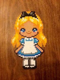 Alice in Wonderland hama perler beads by Lauro Espinosa Val Perler Beads, Perler Bead Art, Fuse Beads, Hama Disney, Pearler Bead Patterns, Perler Patterns, Pixel Art, Chat Origami, Film Manga