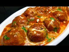 Shahi Malai Kofta Recipe in Hindi with real delicious tasty flavor. Here you can read tasty Shahi Malai Kofta Recipe in Hindi by Miss. Indian Vegetarian Dishes, Vegetarian Recepies, Healthy Indian Recipes, Ethnic Recipes, Veg Dishes, Food Dishes, Food Food, Malai Kofta Recipe In Hindi, Rasmalai Cake Recipe