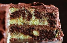 The Perfect Marble Cake with the Perfect Whipped Chocolate Buttercream! Just Desserts, Delicious Desserts, Yummy Food, Biscotti, Dessert Crepes, Marble Cake Recipes, Marble Cake Recipe Moist, Funnel Cakes, Chocolate Buttercream Frosting