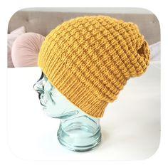 Hvem vil vel ikke strikke en tøff okergul lue til kjæresten sin?😀 You wanna knit a cool yellow beanie for your love? Oppskrift på…