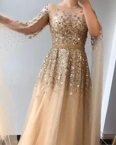 Gold Prom Dresses, Indian Gowns Dresses, Indian Fashion Dresses, Ball Dresses, Bridal Outfits, Bridal Dresses, Beautiful Dresses, Pretty Dresses, Gorgeous Wedding Dress