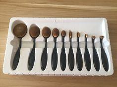 New Makeup Brush Gold Silver Black 10 Piece Tooth-Shape Foundation Powder Brush Makeup Kit, Makeup Tools, Makeup Brushes, Artis Brushes, Teeth Shape, Make Up Dupes, Powder Foundation, Makeup Junkie, Hair And Nails