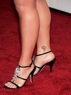 Kelly Clarkson's sunflower tattoo