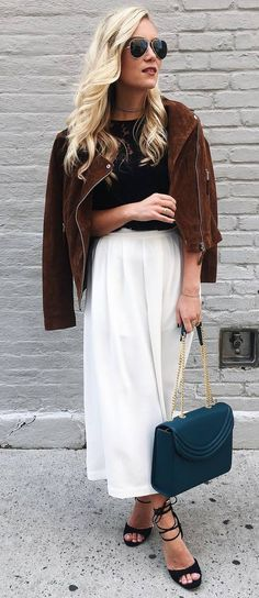 trendy fall outfit idea : jacket + top + bag + maxi skirt