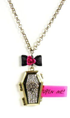 ♡Betsey Coffin necklace<3