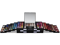 Massive Makeup Kit! ($50) so cool!! :)    For a beauty-obsessed BFF #17holiday