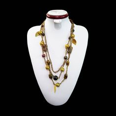 Necklace natural stones Triple thread bead Costume jewelry