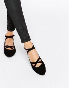 Zapatos planos con tira doble en negro Helenna de Head Over Heels By Dune