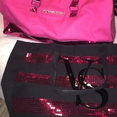 2 Victoria Secret Travel Bags 2 Victoria Secret travel bags! Maybe used one or twice at most! Willing to selling individually each for 10 dollars Victoria's Secret Bags Travel Bags