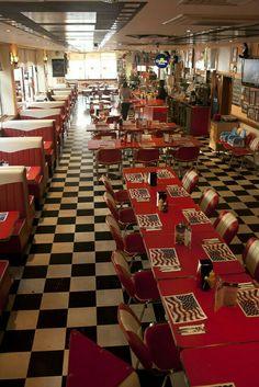 JB's diner in Brighton Win your dream city break with i-escape & Coggles 1950s Diner, Vintage Diner, Retro Diner, Le Diner, Burger Laden, Style Rockabilly, Design Innovation, American Diner, American Food