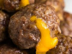 Bacon Cheeseburger Meatballs are a simple, super scrumptious recipe that taste just like a cheeseburger – minus the bun! Easy to prepare, simple ingredients and quick prep and cook time make these tasty morsels the exact fit for your menu plan! Meatball Recipes, Meat Recipes, Low Carb Recipes, Cooking Recipes, Hamburger Recipes, Hamburger Sauce, Top Recipes, Beef Dishes, Beef
