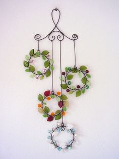 Wire Crafts, Clay Crafts, Decor Crafts, Diy And Crafts, Arts And Crafts, Beaded Flowers, Diy Flowers, Wire Ornaments, Wire Wreath