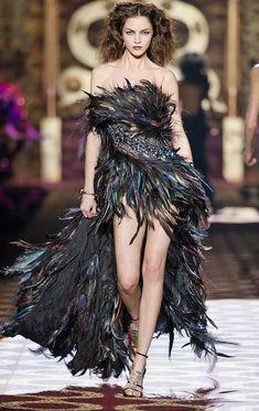 Roberto Cavalli Dresses – 20 Looks Fashion Week, High Fashion, Fashion Show, Fashion Outfits, Fashion Design, Fabulous Dresses, Beautiful Gowns, Couture Fashion, Runway Fashion