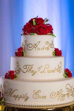 Disney Wedding Cupcakes Happily Ever After this walt disney world wedding cake promises a ver Disney World Wedding, Disney Inspired Wedding, Disney Wedding Cakes, Disney Weddings, Disney Wedding Themes, Fairytale Wedding Themes, Disney Bride, Small Weddings, Destination Weddings