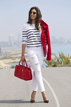 It's so beautifull :) Casual Chic Outfits, Classy Casual, Fall Fashion Outfits, Mode Outfits, Denim Fashion, Red Blazer Outfit, White Pants Outfit, Nautical Outfits, Nautical Fashion