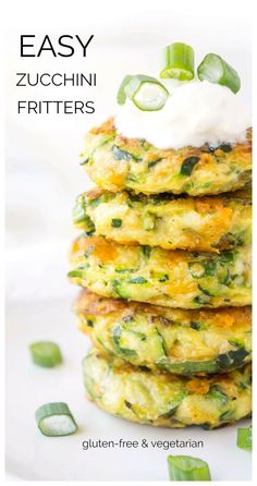 Recipes Snacks Finger Foods These Easy Zucchini Fritters are a total veggie game changer! They're easy to make, delicious and both little ones and adults love them! Great as a snack, appetizer or side! Baby Food Recipes, Cooking Recipes, Healthy Recipes, Free Recipes, Kid Recipes, Curry Recipes, Chicken Recipes, Veggie Dishes, Vegetable Recipes