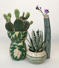 Sandra Apperloo, aka The Pottery Parade, creates charming face pots and other ceramics that are bustling with pattern and personality. Cactus, Keramik Design, Pot Jardin, Colorful Paintings, Colorful Drawings, Ceramic Pottery, Slab Pottery, Thrown Pottery, Ceramic Bowls