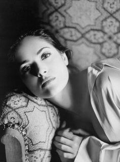 seducimi:   INDIVISIBILI  ..e accade che non si ha più voglia di parlare.. di spiegare come si sta.. sembra che a spiegarle le cose perdano ...