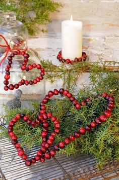 How to Make Your Own Natural Christmas Decorations Swedish Christmas, Christmas Hearts, Natural Christmas, Christmas Makes, Noel Christmas, Scandinavian Christmas, Rustic Christmas, Winter Christmas, All Things Christmas